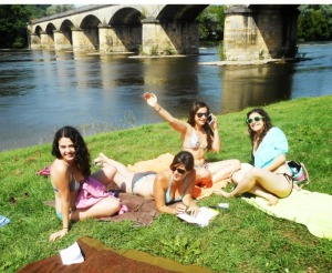 26. Au bord de la Dordogne